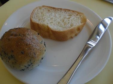 お代わりできるパン~.JPG
