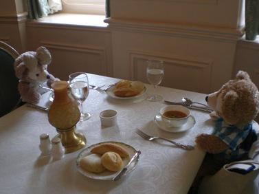 くまの食卓2.JPG