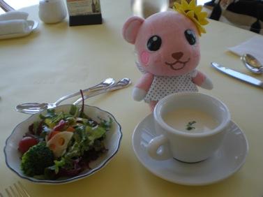始めにサラダとスープ.JPG